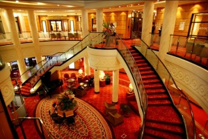 The jaw dropping Grand Lobby on the Cunard Queen Mary 2